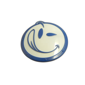 Factory Direct Sale OEM Smile Face Custom Metal Logo Label pictures & photos