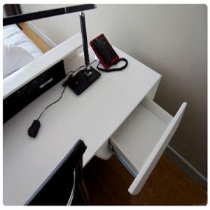 Curved Shape Corian Office Desks Acrylic Workstations Computer Desk pictures & photos