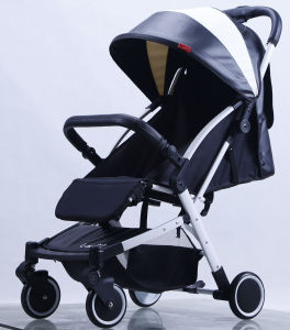 New Design Luxury Fold Baby Car with European Standard pictures & photos