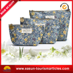 Promotional Christmas Self-Sealing PU Cosmetic Travel Gift Bag pictures & photos