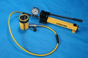 Hollow Plunger Single Acting Standard Hydraulic Cylinder (30tons) pictures & photos