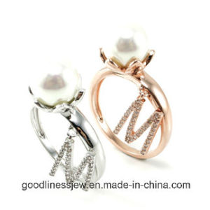925 Silver Ring Pearl Jewelry with Letter Fashion Rings R10036m pictures & photos
