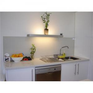 5mm 6mm Thick Frosted Glass Kitchen Splashbacks pictures & photos
