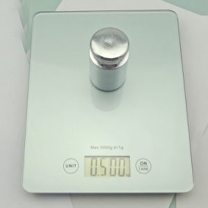 2017 New Design Tempered Glass Kitchen Digital Scale pictures & photos