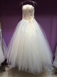 New Arrival Strapless A Line Wedding Dress Under 150USD pictures & photos