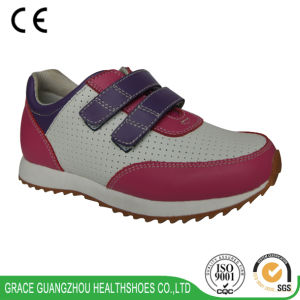 Kids Running Comfort Shoes Children Non-Slipping Sport Shoes pictures & photos