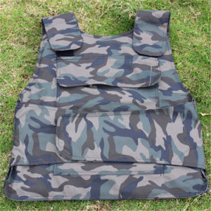 Hot Hot Hot! Safety Anti-Bullet Kevlar Plates Multi-Pockets Military Green Tactical Outdoor Travelling Quick-Release Vest pictures & photos