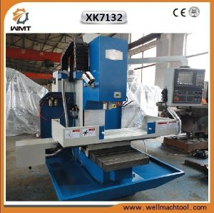 Xk7132 CNC Milling Machine with Big Worktable pictures & photos