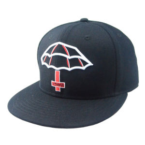 High Quality Black Embroidery Flat Brim Snapback Hat pictures & photos