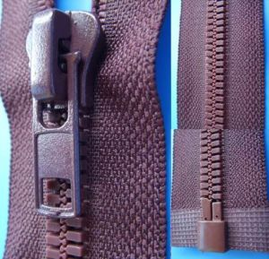 Resin Zipper (XDPZ-022) pictures & photos