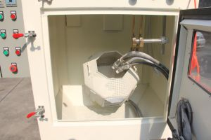 Automatic Drum Sandblast Machine for Surface Treatment pictures & photos