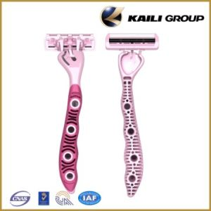 Triple Blade Disposable Shaving Razor pictures & photos