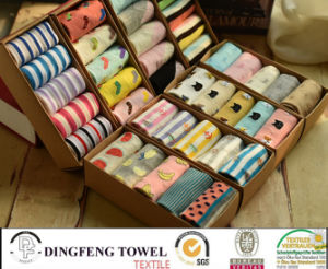Fashionable Knitted Ladies Socks Df-8837 pictures & photos