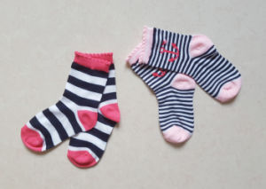 Cotton Stripe Design 2pairs Gift Packing Baby Socks pictures & photos