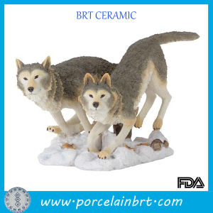 Wild Wolf Resin Animal Figurine pictures & photos
