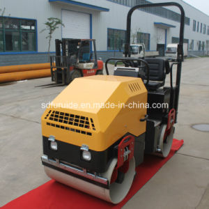 Perkins Diesel Double Dum Steel Wheel Mini Vibratory Roller with Hydraulic Steering (FY-900) pictures & photos