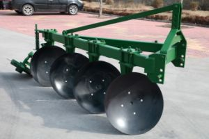 Factory Price One Way Disc Pipe Plough with Tractor pictures & photos