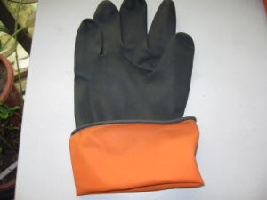 Latex Solvent Industrila Gloves (50-150G) pictures & photos