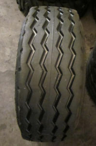 F3 Tyre for Tractors 14.5/75-16.1, Agriculture Tyres with Best Prices, Tractor Tyre pictures & photos