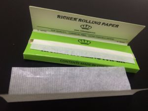 Thin Regular Size Premium Rolling Paper, Natual Arabic Gum Paper pictures & photos