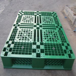 Selective Warehouse Plastic Pallets 1200 X 1000mm pictures & photos