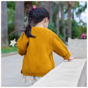 100% Cotton Soft Yellow Kids Clothes for Girls pictures & photos