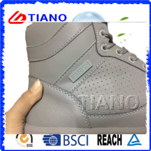 High Quality Outdoor Footwear Sports Shoes Walking Shoes (TNK90006) pictures & photos
