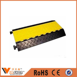 Heavy Load Road Cable Protector Durable Speed Bump pictures & photos