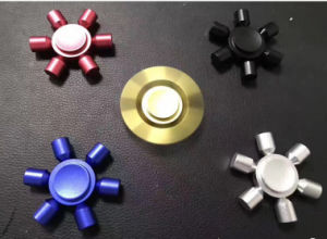 2017 Removable 6 Horn Metal Aluminum Alloy Material Hand Spinner pictures & photos