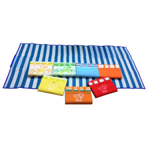 OEM Fold Waterproof Blanket Outdoor Beach Camping Picnic Mat pictures & photos