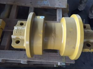 Bulldozer Undercarriage Parts Sf Df Track Roller pictures & photos