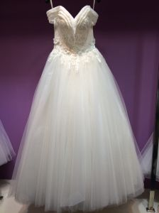 New Arrival A Line off Shoulder Wedding Dress Under 150USD pictures & photos