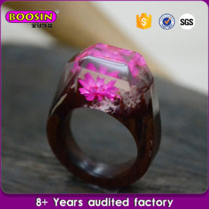 New Custom Made Real Flower Landscape Wood Resin Ring pictures & photos