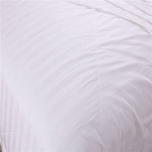 Cotton Fabric White Color Mulberry Long Silk Quilt pictures & photos