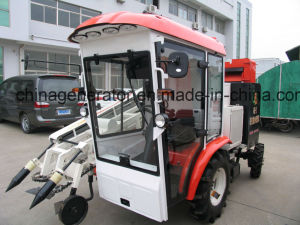 High Quality Tractor Driving Cabin for Wheeled Tractor or Harvester pictures & photos