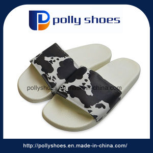 New Arrival Soft PU Piercing Slippers for Men pictures & photos