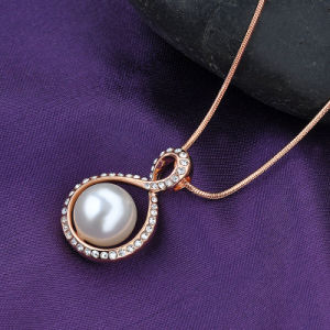 Elegant Jewelry Gold Plated Crystal Pearl Pendant Necklace pictures & photos