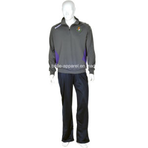Custom Comfortable Men′s Polyester Tricot Tracksuits pictures & photos