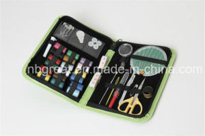 Mini Folding Travel Sewing Kit Set for Quick Repair pictures & photos