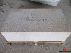 Bush Hammered G682 Yellow Granite Tread / Curbstone pictures & photos