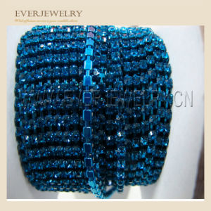 Wholesale Strass Roll Rhinestone Close Cup Chain Rhinestone Lace Roll Chain pictures & photos