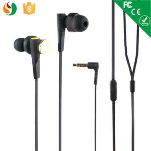 in-Ear Headphones Earbud Deep Metal Earphone pictures & photos