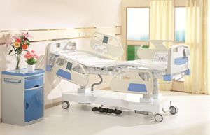 2015 Luxurious Hospital ICU Hydraulic Medical Bed with Column Motors Hospital