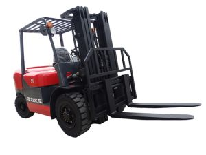 5.0 Ton Diesel Forklift Truck with CE Standard (CPCD50) pictures & photos
