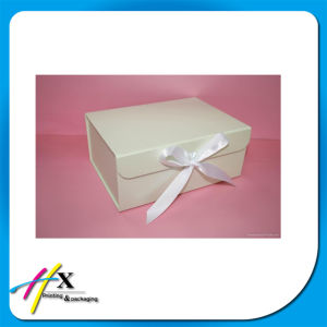 Recycled Rigid White Paper Gift Packaging Box with Ribbon Closure pictures & photos