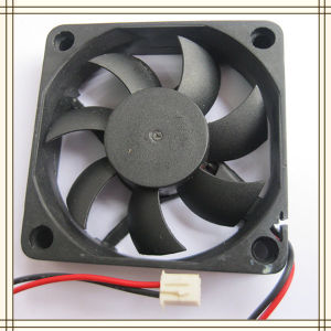 China Manufacture 6015 DC Cooling Fan 7 Blades