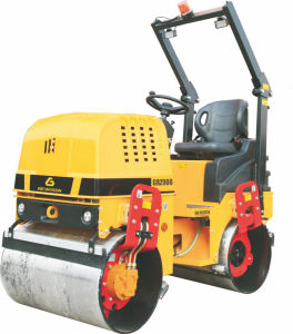 Hydraulic Ride-on Vibratory Roller with 3 Cylinder Diesel Engine pictures & photos