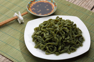 Spinach Pasta Fettuccine Konjac Noodles pictures & photos