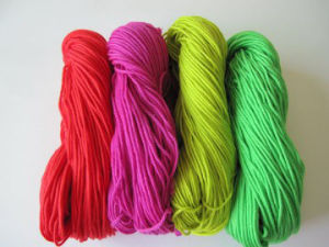 Solid Acrylic Yarn/Bluk Acrylic Yarn/100% Acrylic Yarn pictures & photos