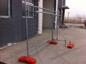 Construction Temporary Fence Panels, Brace as Well The UV Treated HDPE Block Foot 2.1m X 2.4m pictures & photos